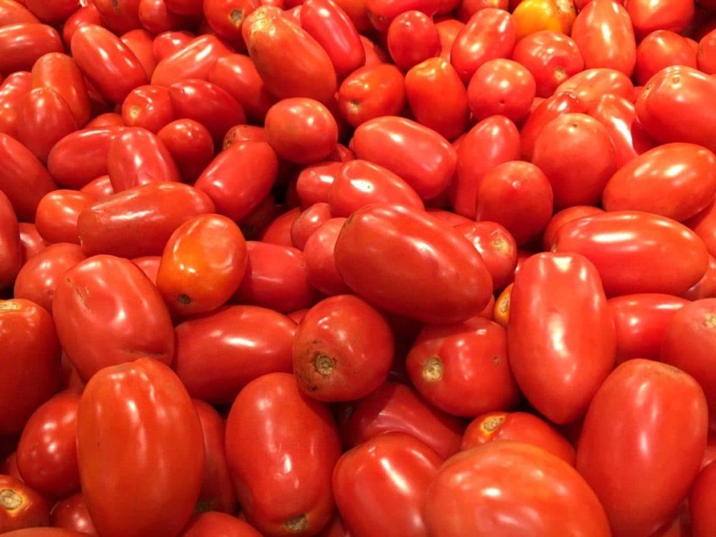 """¿Por qué en la CDMX le dicen """"jitomate"""" y en Mazatlán """"tomate""""?"""